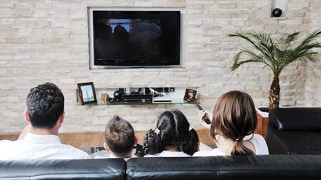 famialia television consumo electrico